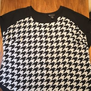 Lane Bryant Houndstooth Short Sleeve Blouse 26/28